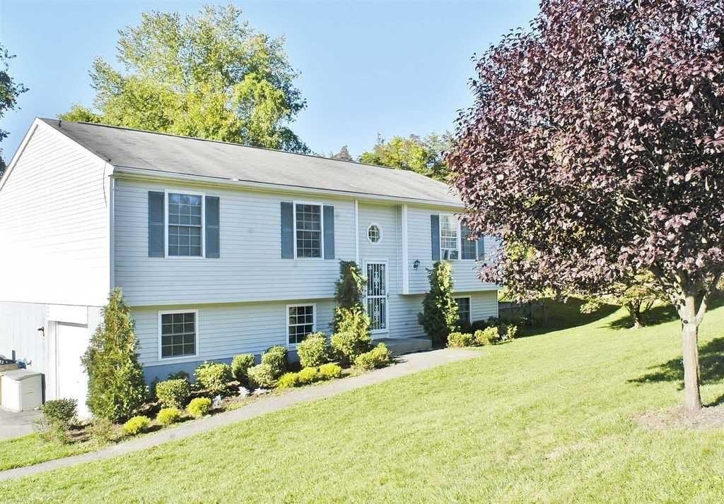 Single Family Home for Sale at 8 HEMLOCK Lane 8 HEMLOCK Lane Dover Plains, New York 12594 United States