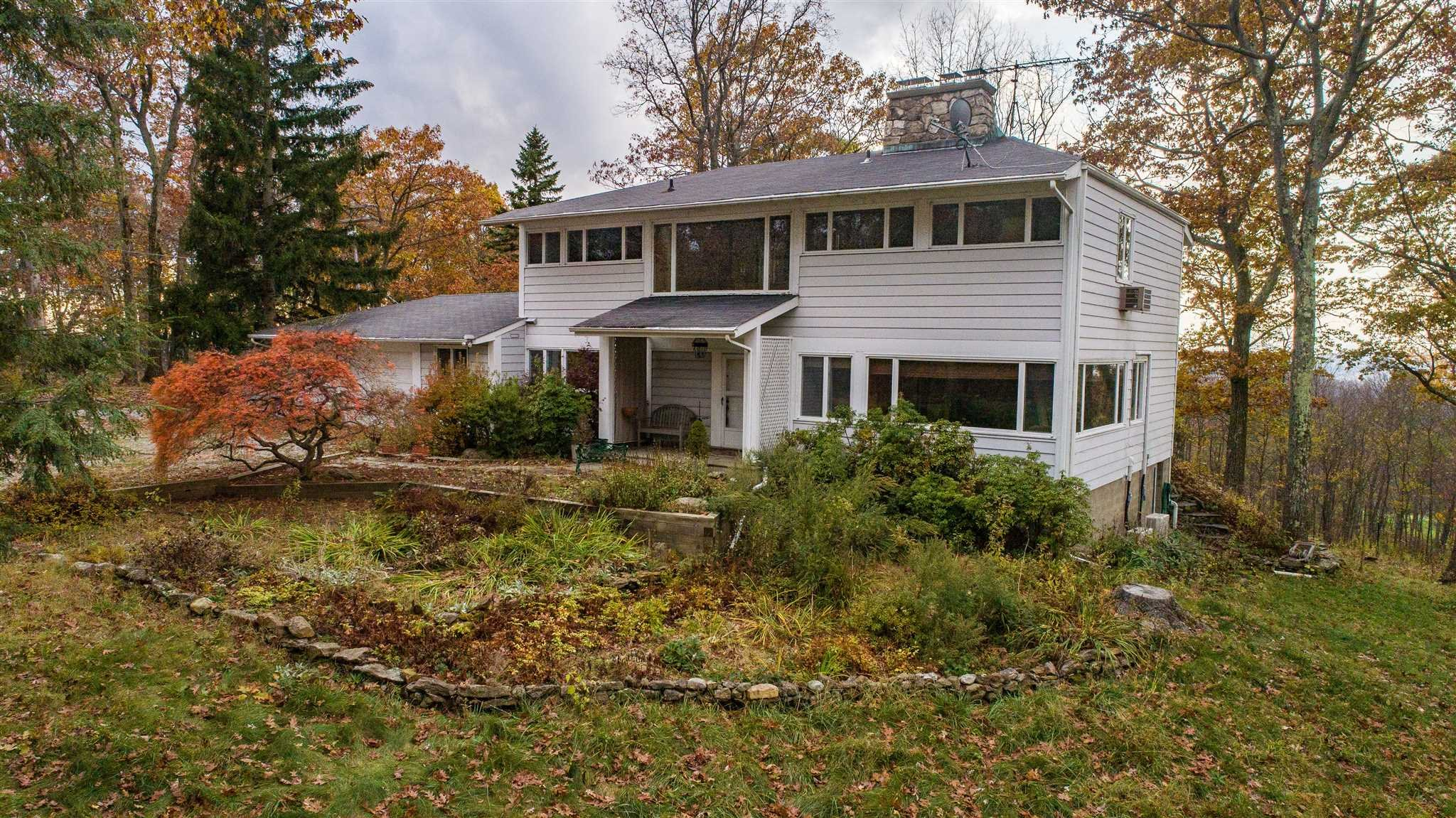 Single Family Home for Sale at 959 OLD QUAKER HILL Road 959 OLD QUAKER HILL Road Pawling, New York 12564 United States