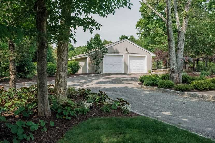Additional photo for property listing at 78 DRAGON TRAIL 78 DRAGON TRAIL Pleasant Valley, New York 12569 United States