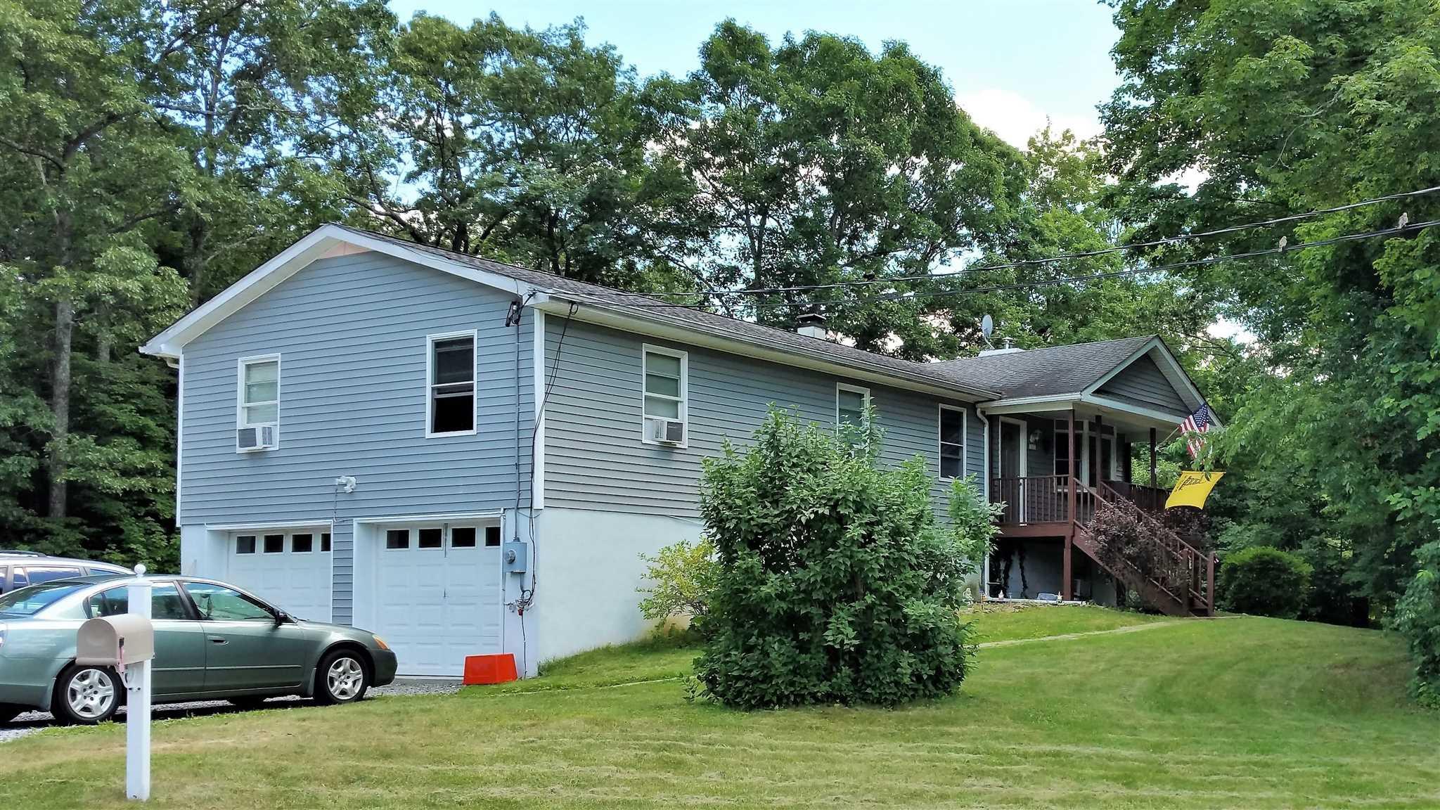 Single Family Home for Sale at 19 SHAKER Lane 19 SHAKER Lane Hyde Park, New York 12538 United States