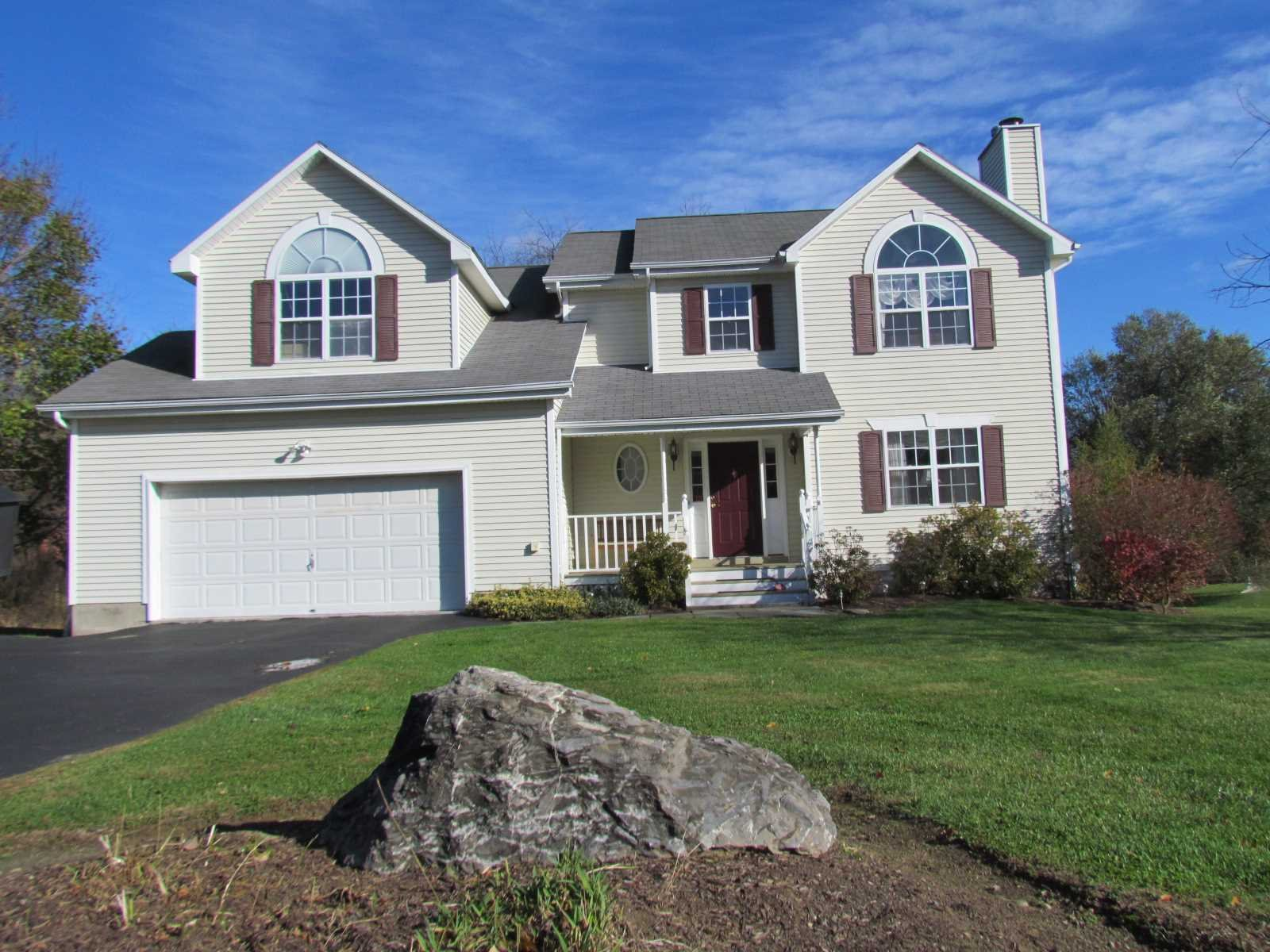 Single Family Home for Sale at 8 REGENCY Drive 8 REGENCY Drive Poughkeepsie, New York 12603 United States