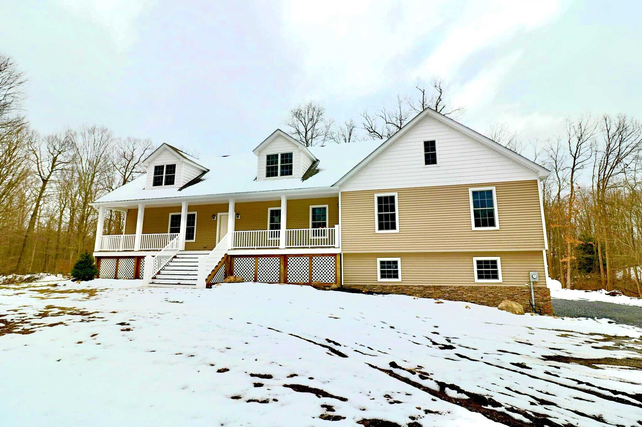 Single Family Home for Sale at 256 LAUER ROAD 256 LAUER ROAD Poughkeepsie, New York 12603 United States