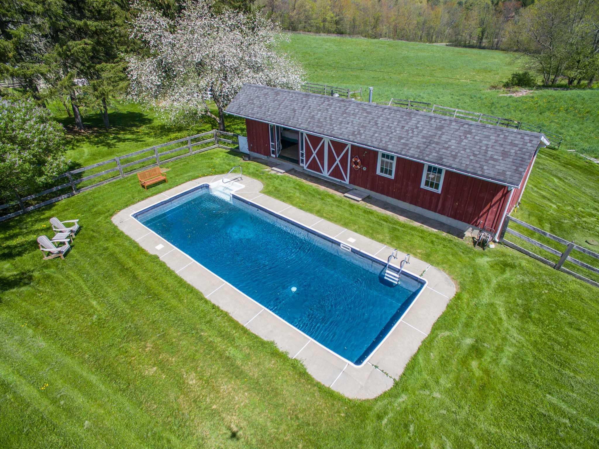 Additional photo for property listing at 486 BASHFORD 486 BASHFORD Chatham, New York 12184 United States