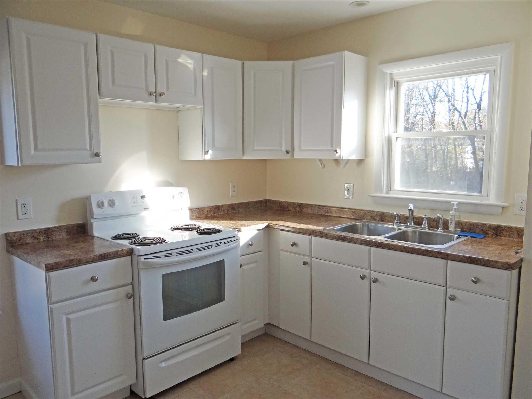 Single Family Home for Rent at 11 WASHINGTON AVENUE 11 WASHINGTON AVENUE Millbrook, New York 12545 United States