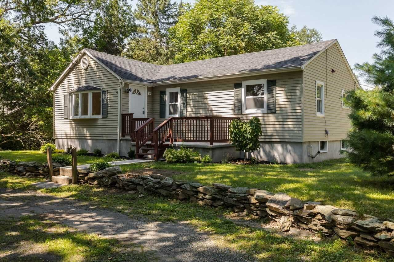 Single Family Home for Sale at 79 S CROSS Road 79 S CROSS Road Hyde Park, New York 12538 United States