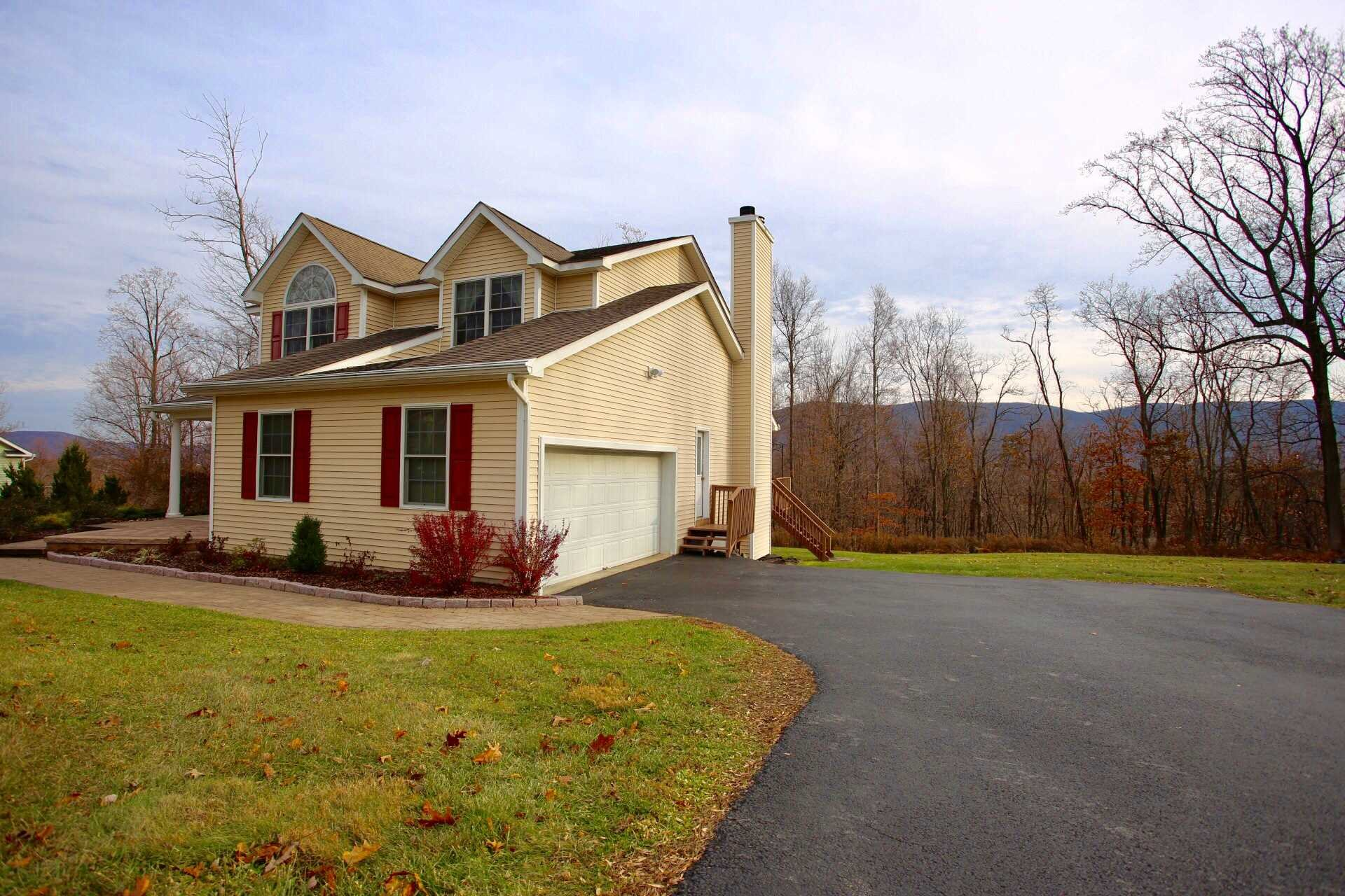 Additional photo for property listing at 14 TREE LINE Court 14 TREE LINE Court Fishkill, New York 12524 United States