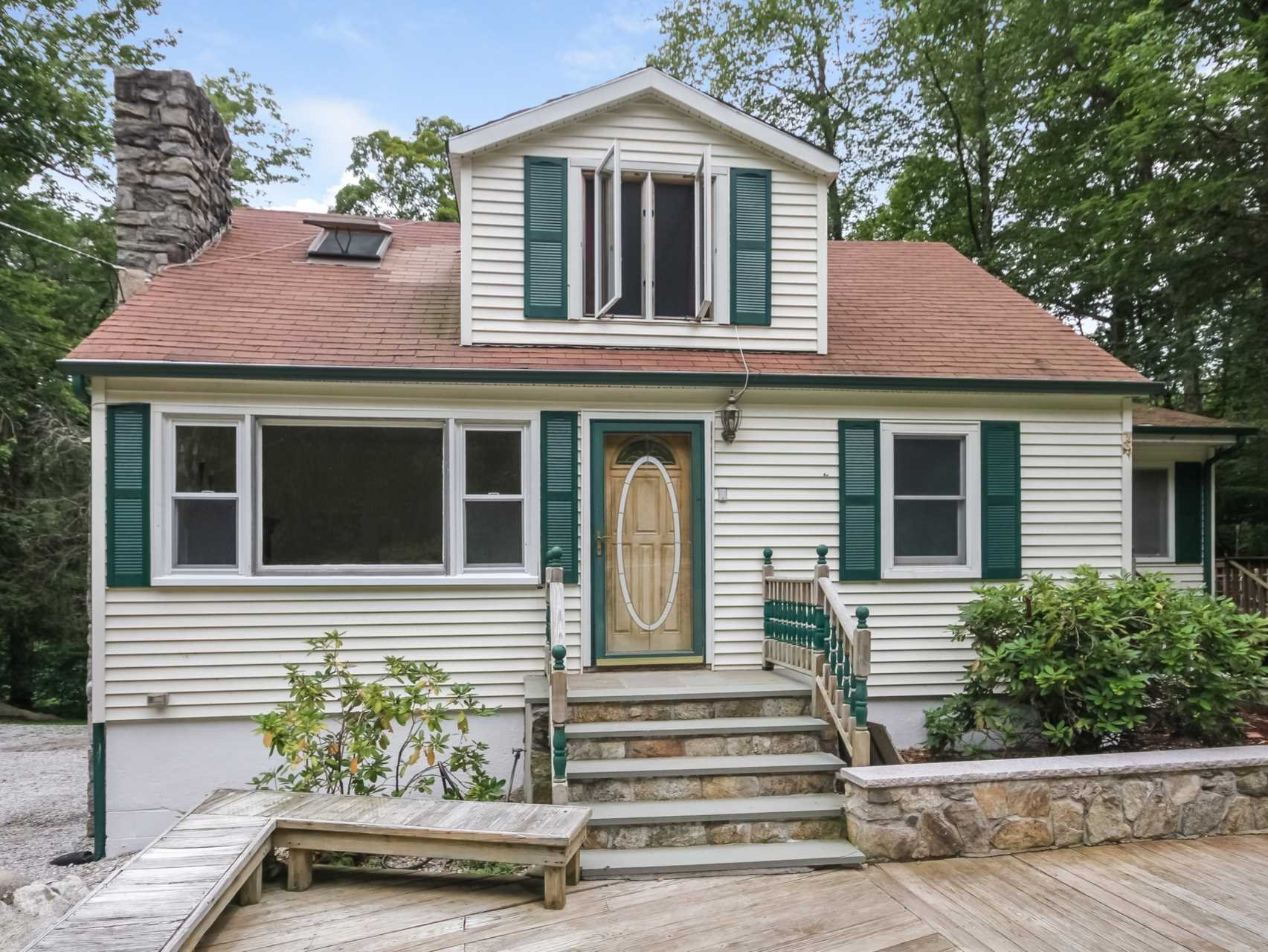 Single Family Home for Sale at 671 FARMERS MILLS Road 671 FARMERS MILLS Road Kent, New York 10512 United States