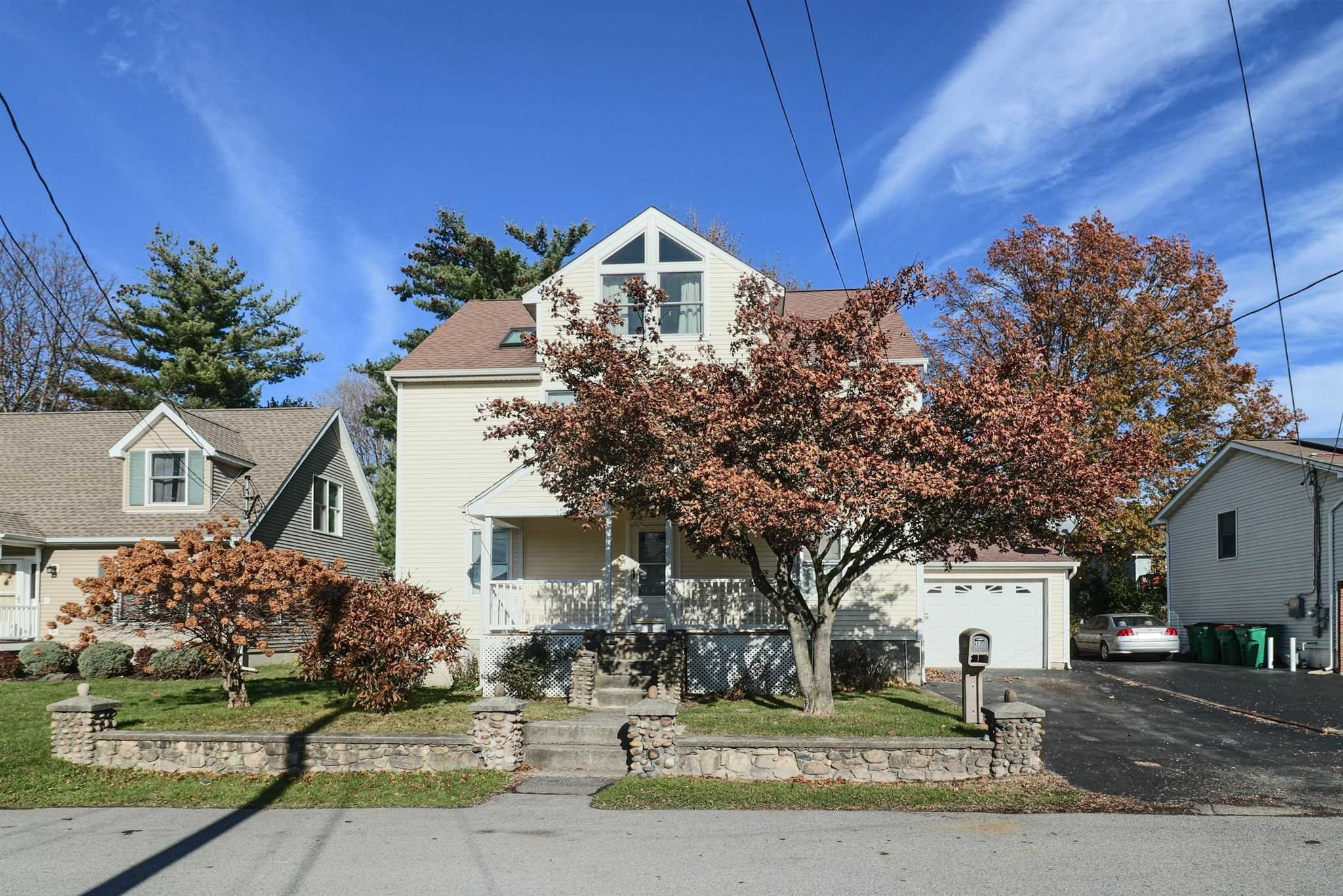 Single Family Home for Sale at 17 BARRETT Place 17 BARRETT Place Beacon, New York 12508 United States