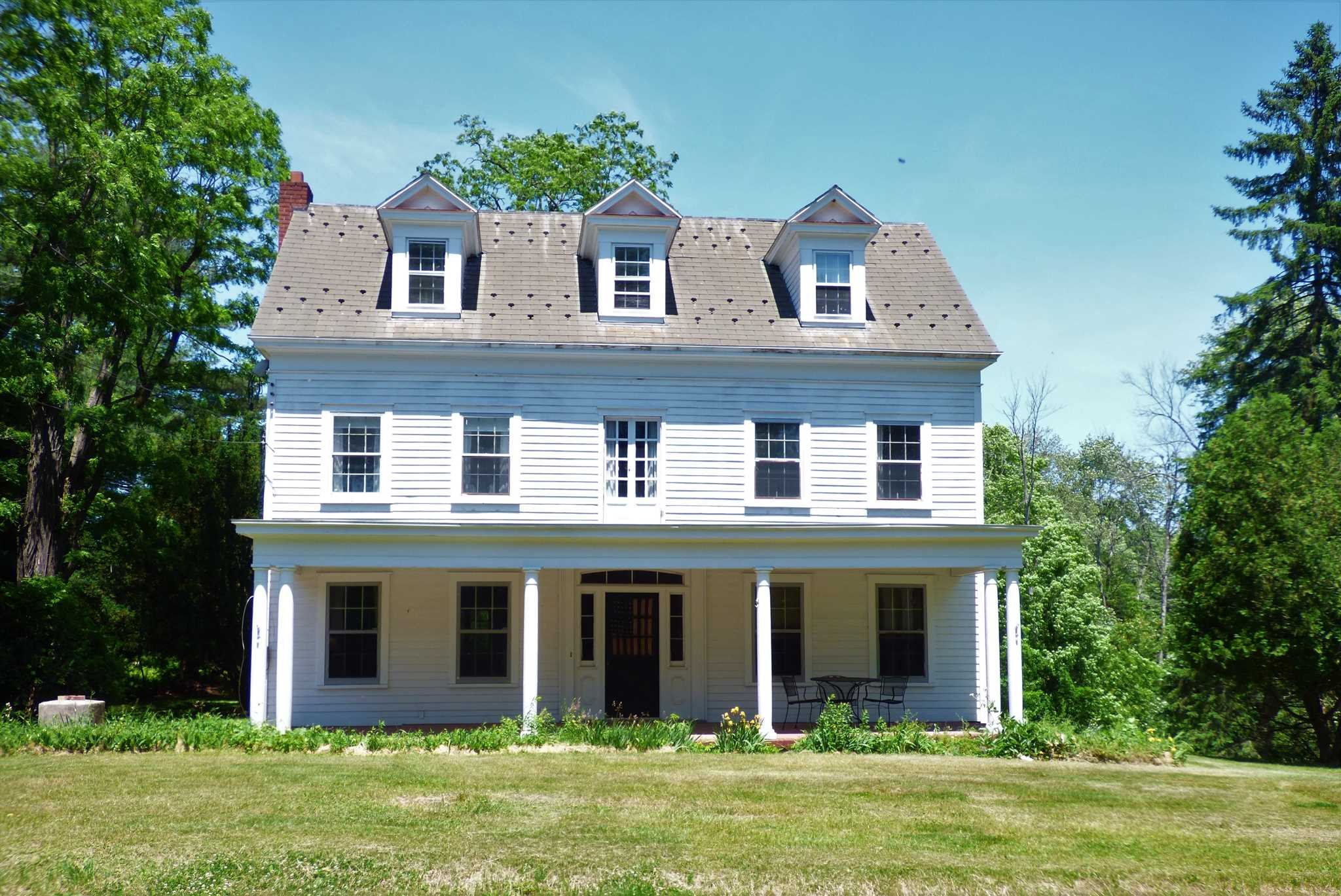 Single Family Home for Sale at 403 MILLS CROSS Road 403 MILLS CROSS Road Hyde Park, New York 12580 United States