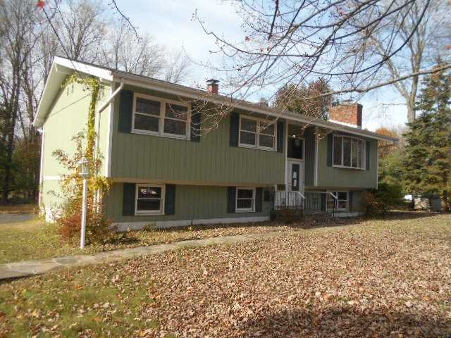 Single Family Home for Sale at 52 CIRCLE Drive 52 CIRCLE Drive East Fishkill, New York 12533 United States