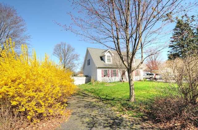 Single Family Home for Sale at 6537 SPRINGBROOK Avenue 6537 SPRINGBROOK Avenue Rhinebeck, New York 12572 United States