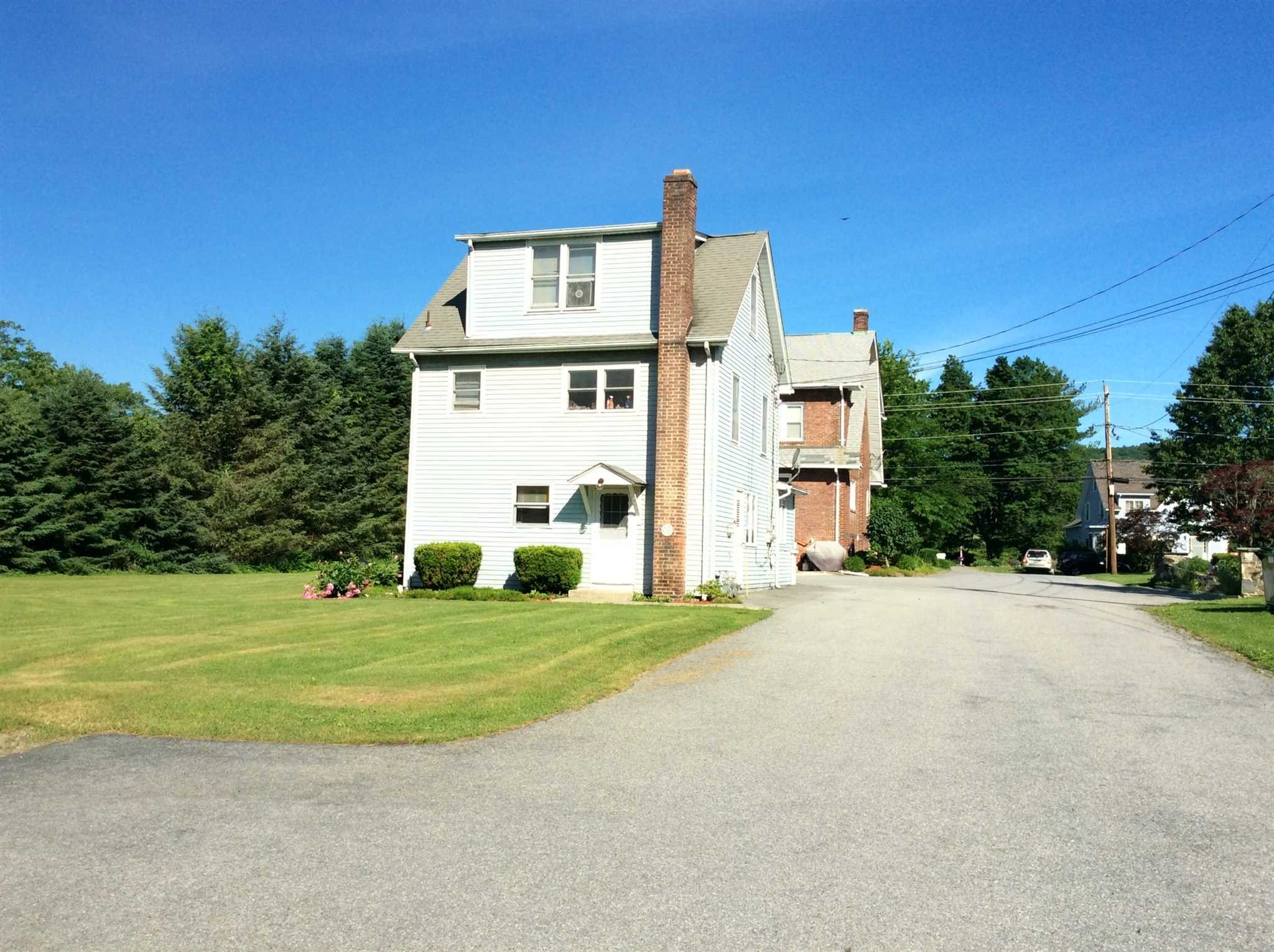 Single Family Home for Rent at 252 VINEYARD AVENUE 252 VINEYARD AVENUE Lloyd, New York 12528 United States