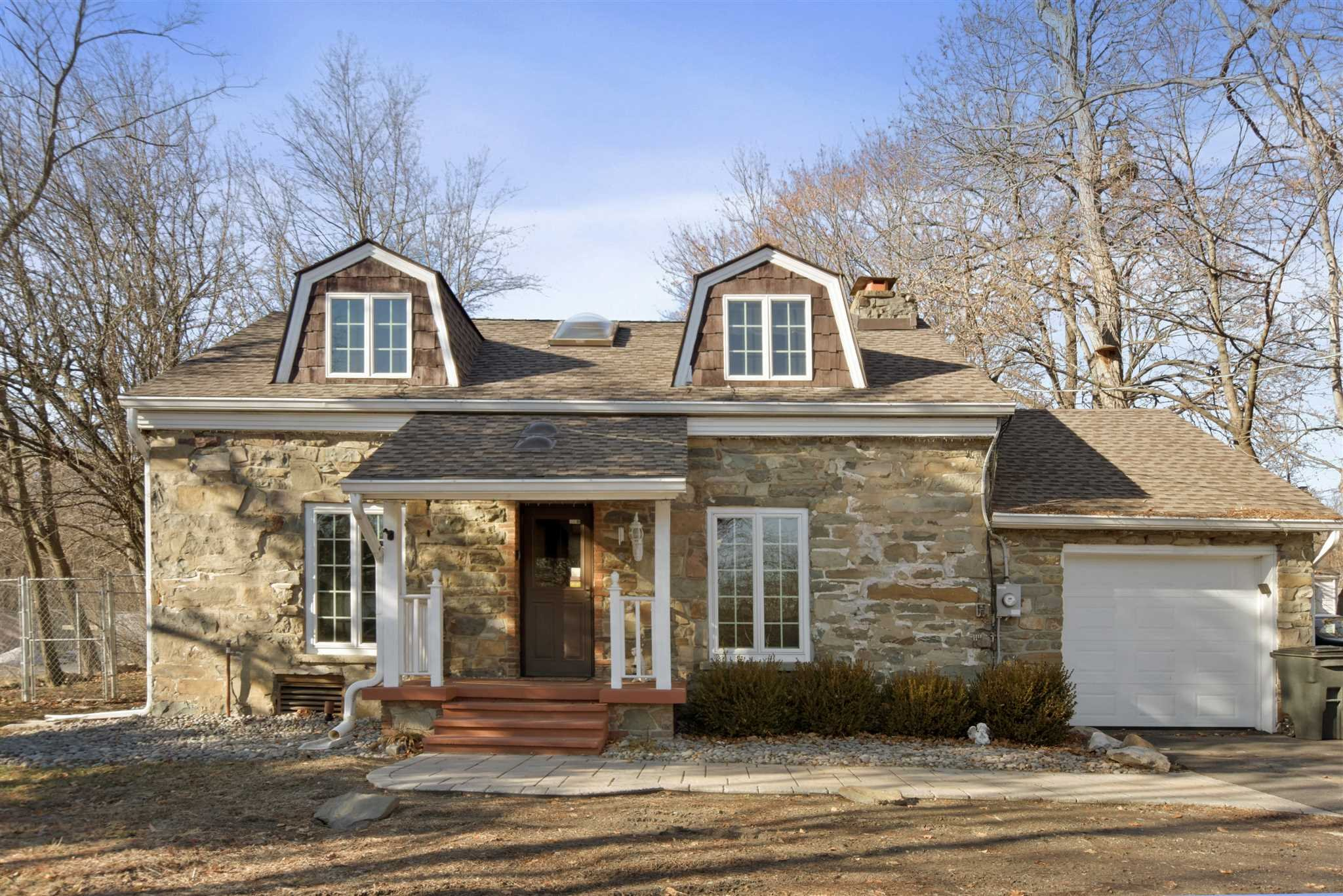 Single Family Home for Sale at 1098 STATE ROUTE 94 1098 STATE ROUTE 94 New Windsor, New York 12553 United States