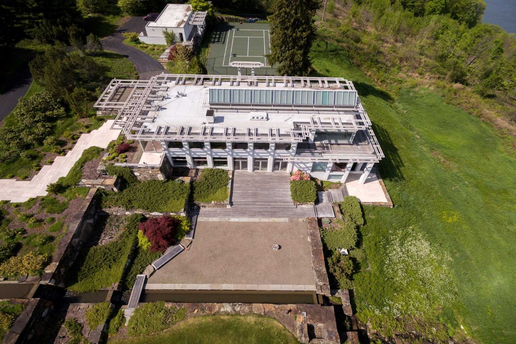 Additional photo for property listing at 1981 BROADWAY/RTE. 9W 1981 BROADWAY/RTE. 9W Esopus, New York 12429 United States