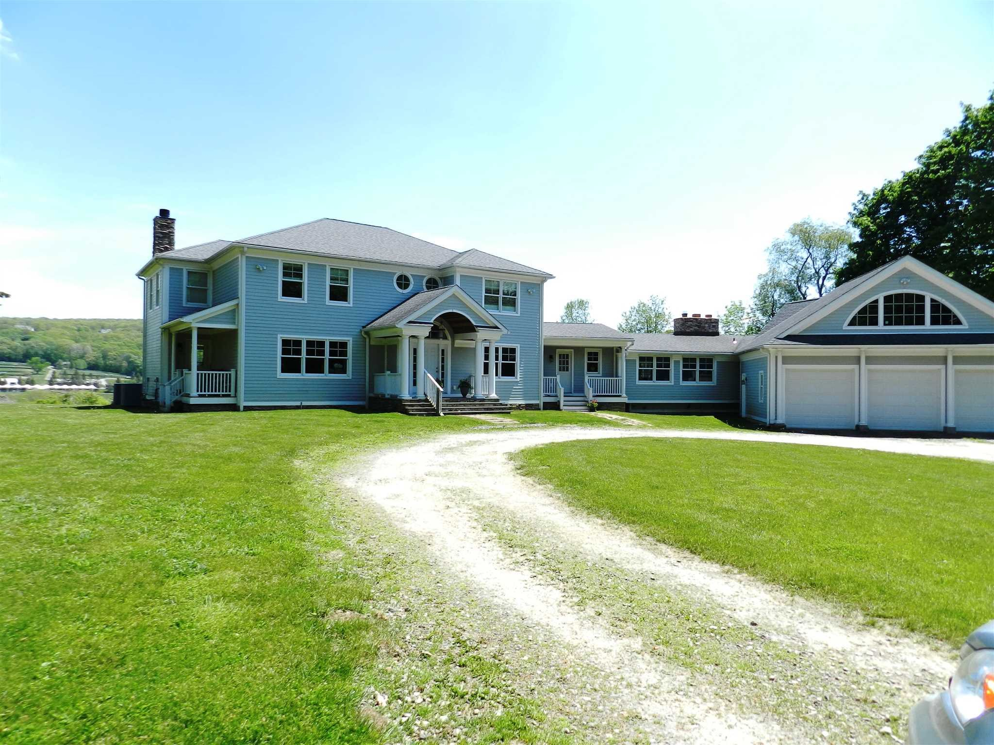 Single Family Home for Sale at 382 OLD QUAKER HILL Road 382 OLD QUAKER HILL Road Pawling, New York 12564 United States