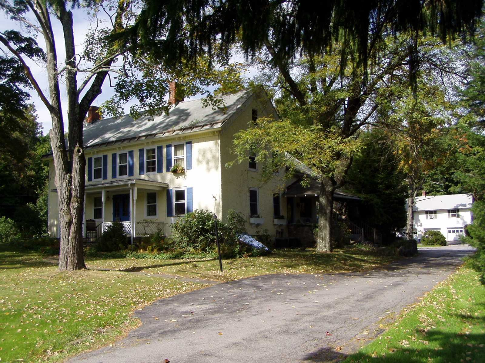 Single Family Home for Sale at 39 W DORSEY Lane 39 W DORSEY Lane Hyde Park, New York 12538 United States