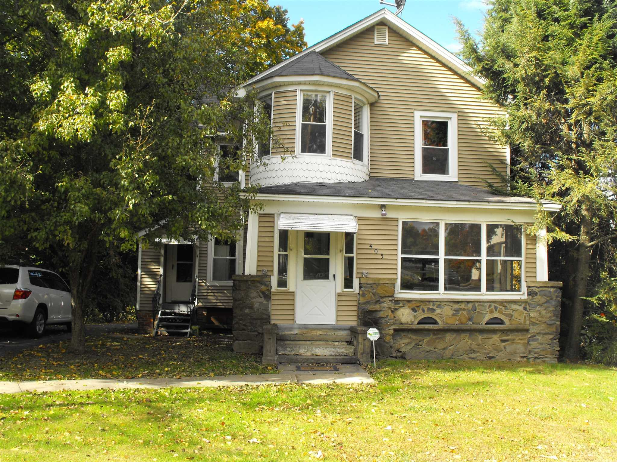 Single Family Home for Rent at 405 VIOLET Avenue 405 VIOLET Avenue Hyde Park, New York 12601 United States