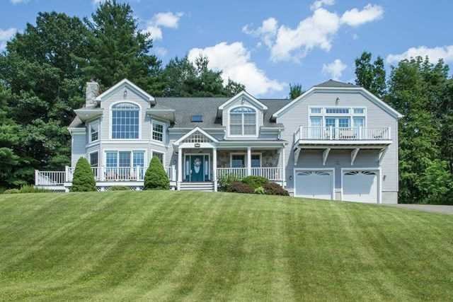 Single Family Home for Sale at 135 DEER RUN 135 DEER RUN Red Hook, New York 12571 United States