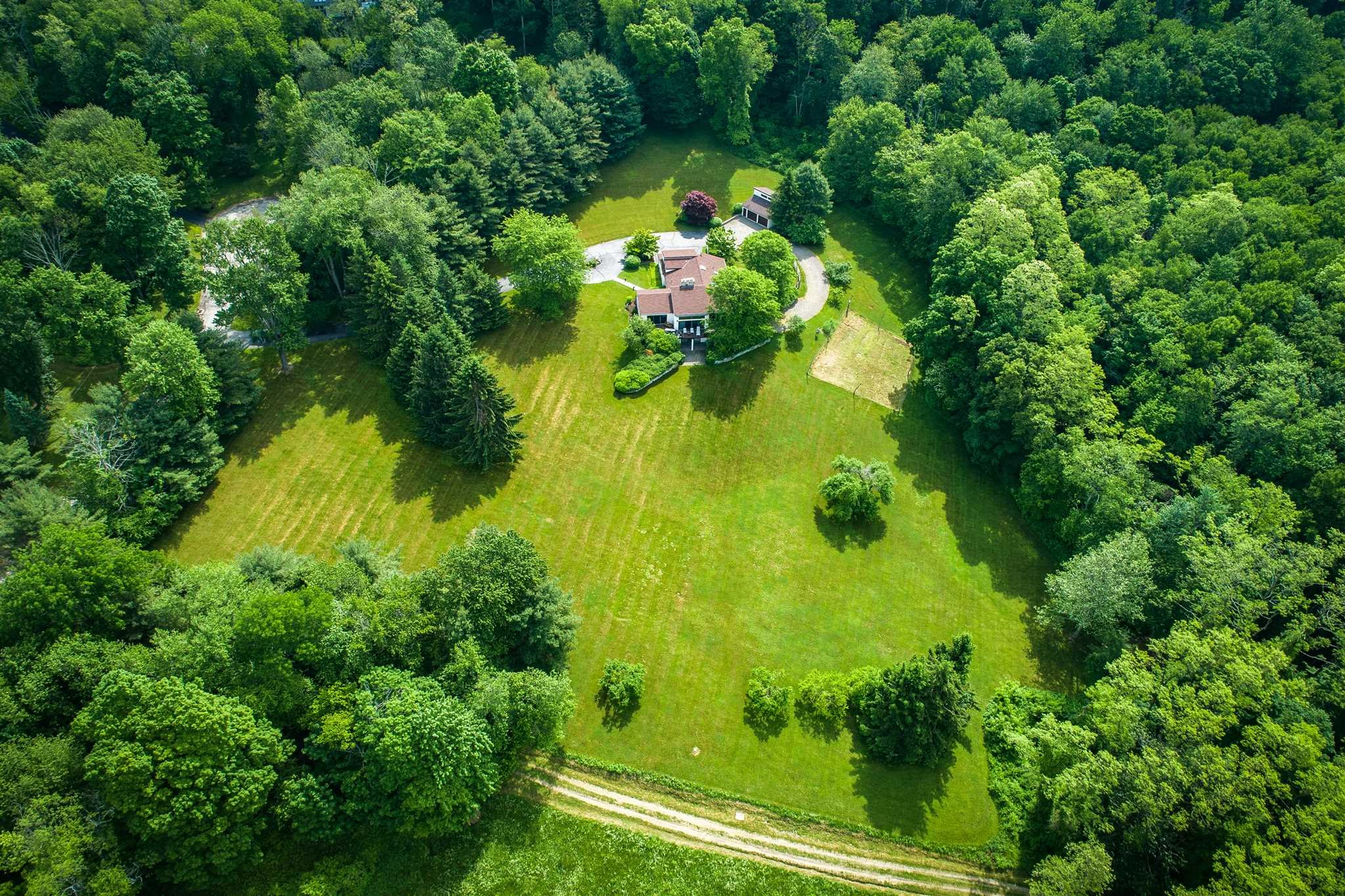 Single Family Home for Sale at 28 STRAWBERRY HILL Road 28 STRAWBERRY HILL Road Pawling, New York 12564 United States