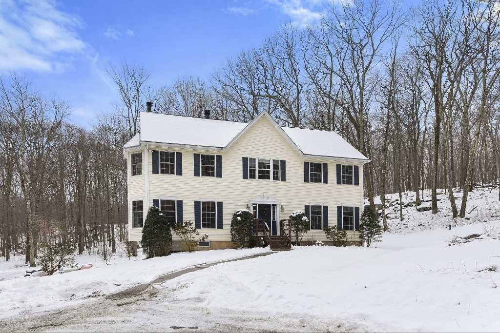 Single Family Home for Sale at 122 WHITE ROCK Road 122 WHITE ROCK Road Pawling, New York 12531 United States