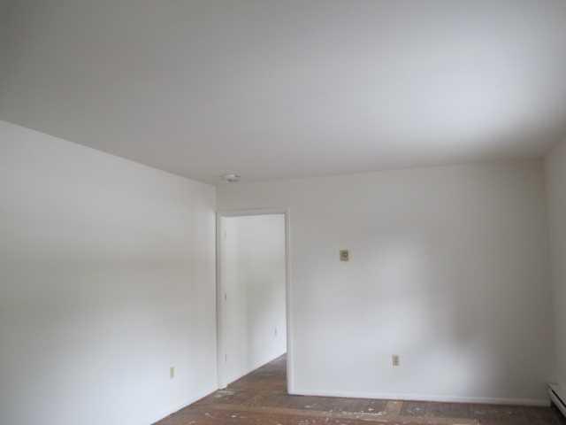 Single Family Home for Rent at 9 KIRCHNER APT 3 Avenue 9 KIRCHNER APT 3 Avenue Hyde Park, New York 12538 United States