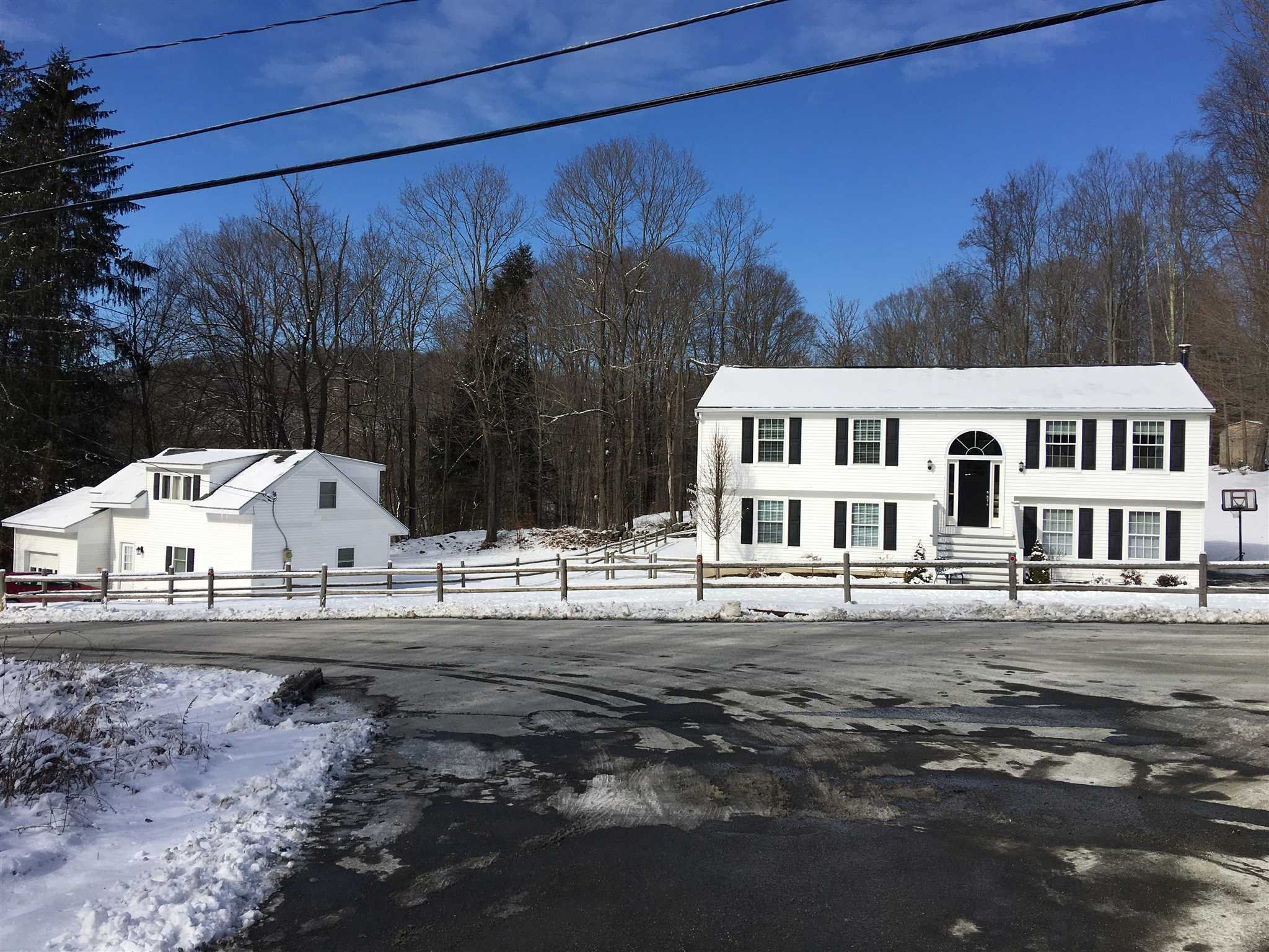 Single Family Home for Sale at 389 NIMHAM ROAD 389 NIMHAM ROAD Kent, New York 10512 United States