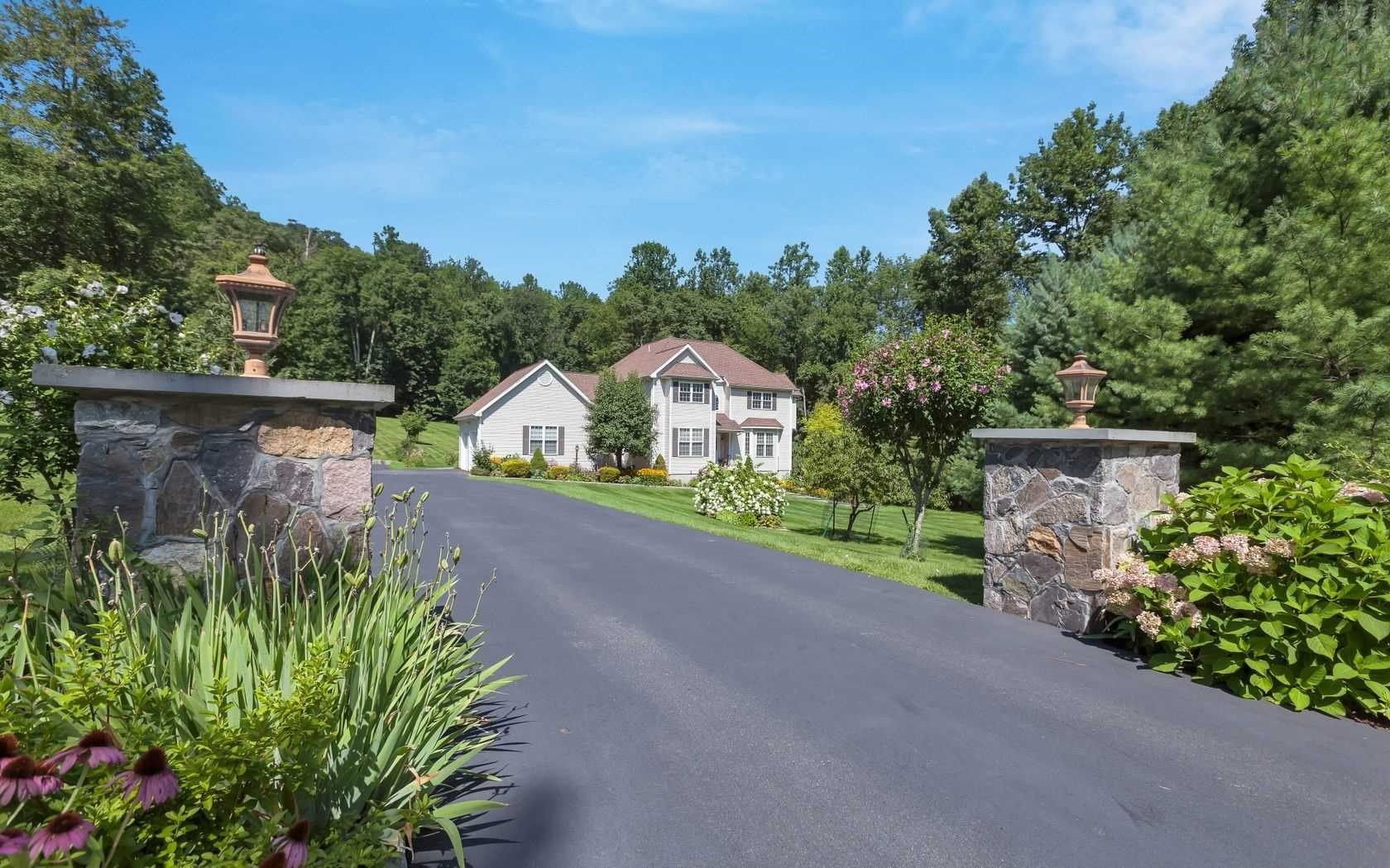 Single Family Home for Sale at 80 PENNEBROOKE LANE 80 PENNEBROOKE LANE Carmel, New York 10541 United States