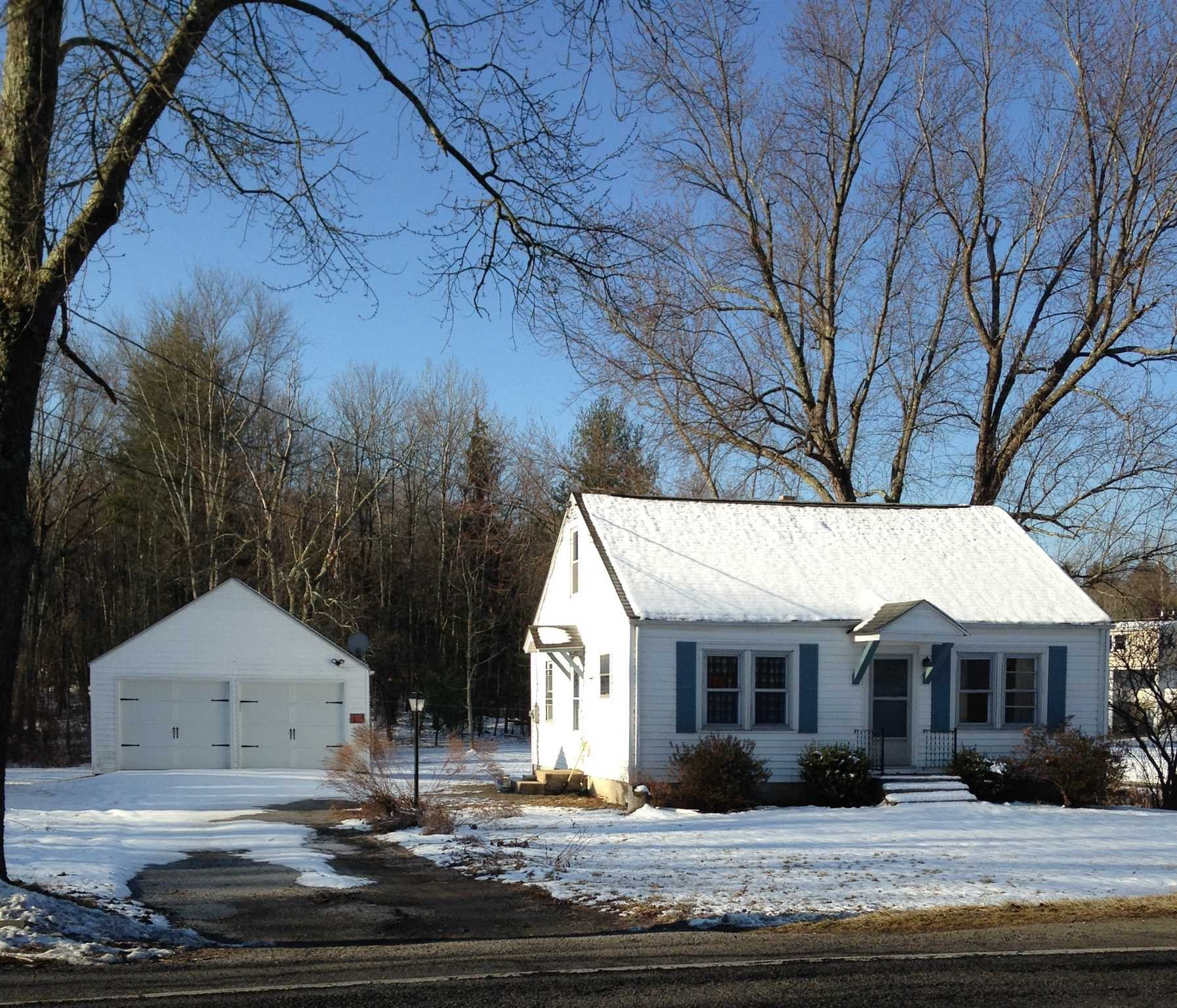 Single Family Home for Sale at 98 CRUM ELBOW ROAD 98 CRUM ELBOW ROAD Hyde Park, New York 12538 United States