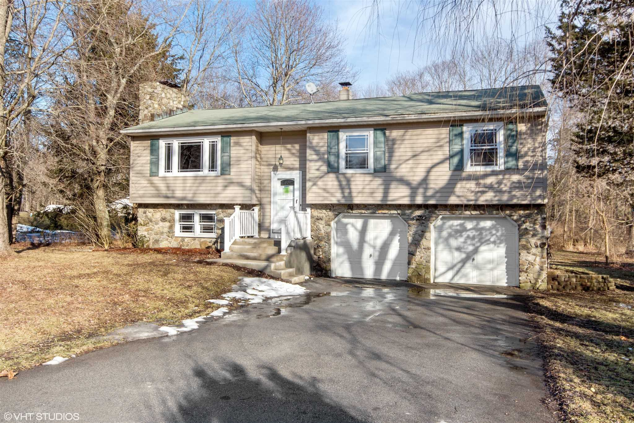 Single Family Home for Sale at 64 FOREST VALLEY Road 64 FOREST VALLEY Road Pleasant Valley, New York 12569 United States