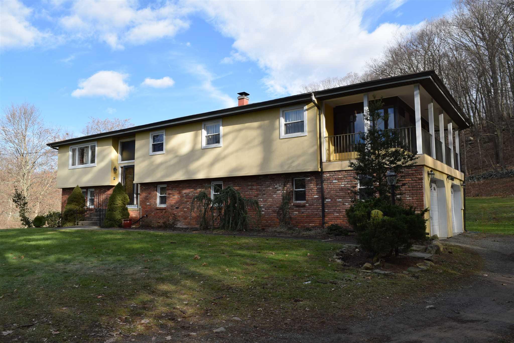 Single Family Home for Sale at 18 ASHLEY LANE 18 ASHLEY LANE Philipstown, New York 10516 United States