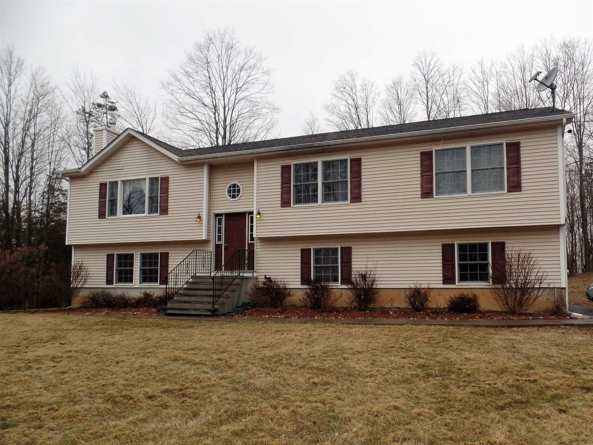 Single Family Home for Sale at 59 OHALLORAN CIRCLE 59 OHALLORAN CIRCLE Pleasant Valley, New York 12569 United States