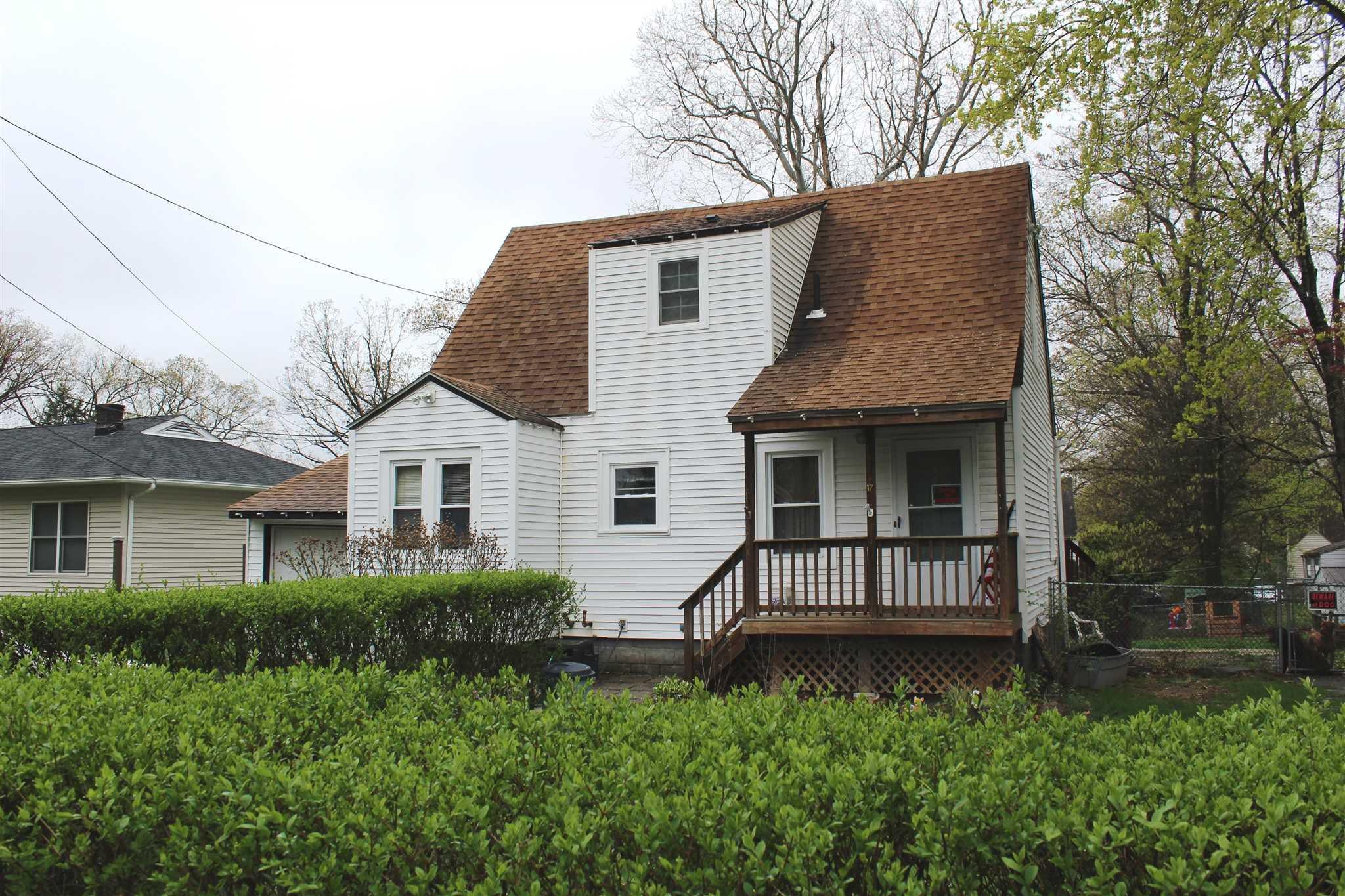Single Family Home for Sale at 17 PILGRIM TERRACE 17 PILGRIM TERRACE Hyde Park, New York 12601 United States