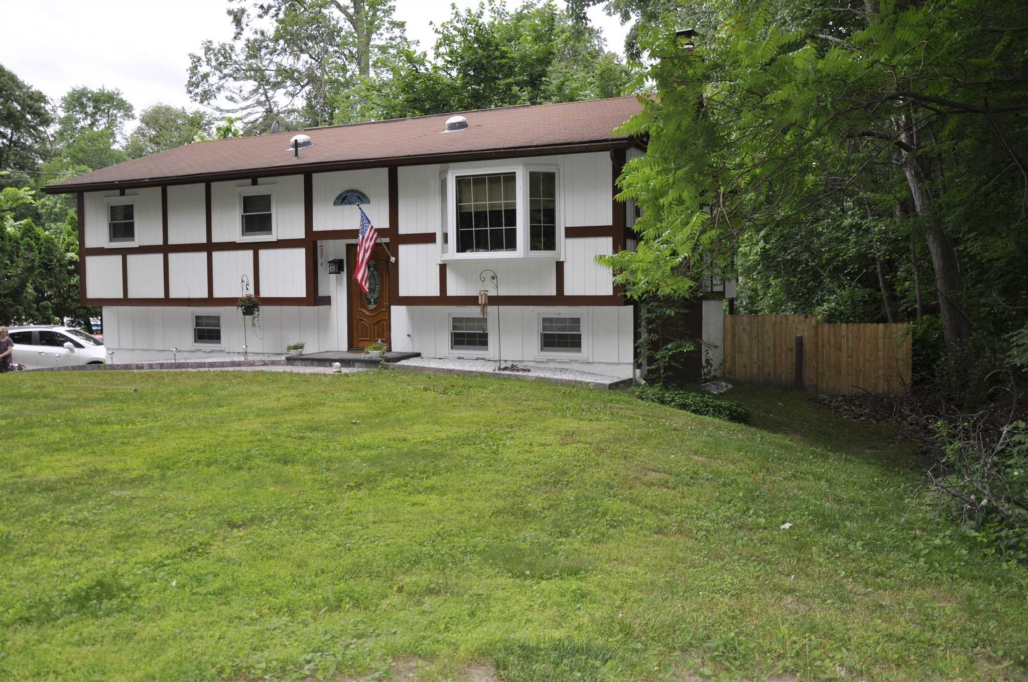 Single Family Home for Sale at 49 ROOSEVELT Road 49 ROOSEVELT Road Hyde Park, New York 12538 United States