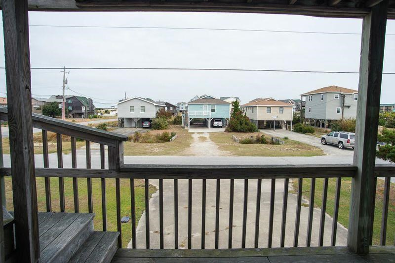 604 Memorial Boulevard,Kill Devil Hills,NC 27948,3 Bedrooms Bedrooms,2 BathroomsBathrooms,Residential,Memorial Boulevard,85904