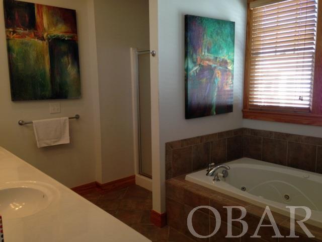 125 Sailfish Drive,Manteo,NC 27954,4 Bedrooms Bedrooms,3 BathroomsBathrooms,Residential,Sailfish Drive,90141