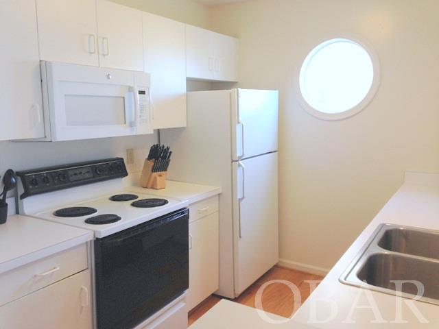 725 Pirates Way,Manteo,NC 27954,3 Bedrooms Bedrooms,2 BathroomsBathrooms,Residential,Pirates Way,92251