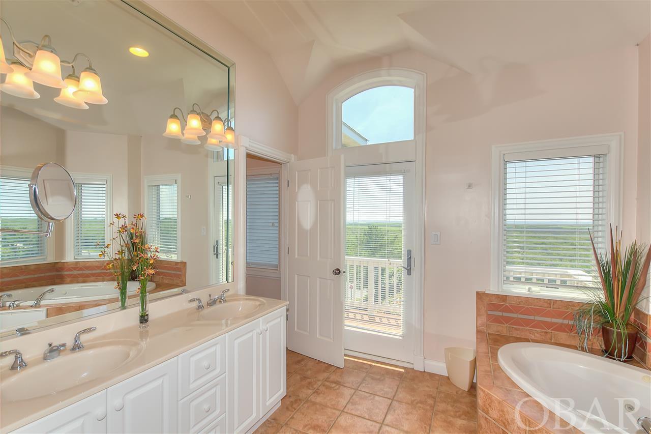 117 Cadwall Road,Corolla,NC 27927,6 Bedrooms Bedrooms,6 BathroomsBathrooms,Residential,Cadwall Road,93054