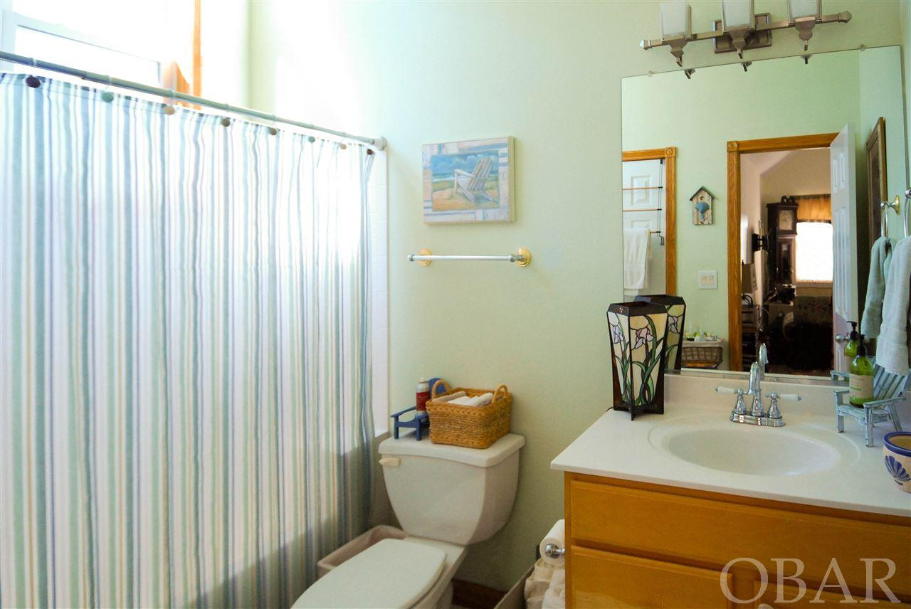 1247 Lakeside Court,Corolla,NC 27927-0000,5 Bedrooms Bedrooms,4 BathroomsBathrooms,Residential,Lakeside Court,94361