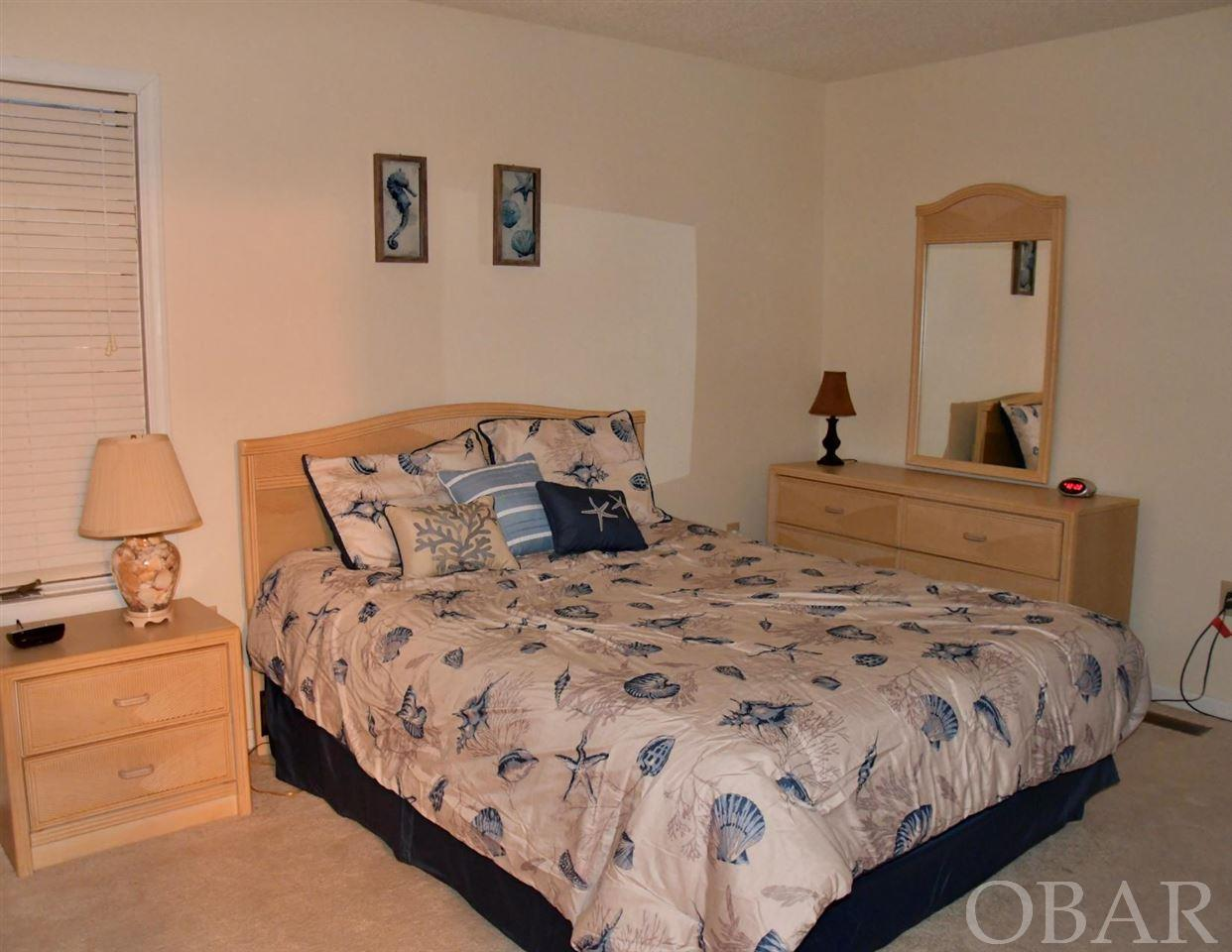 636 Staysail Crescent,Corolla,NC 27927,4 Bedrooms Bedrooms,3 BathroomsBathrooms,Residential,Staysail Crescent,94611