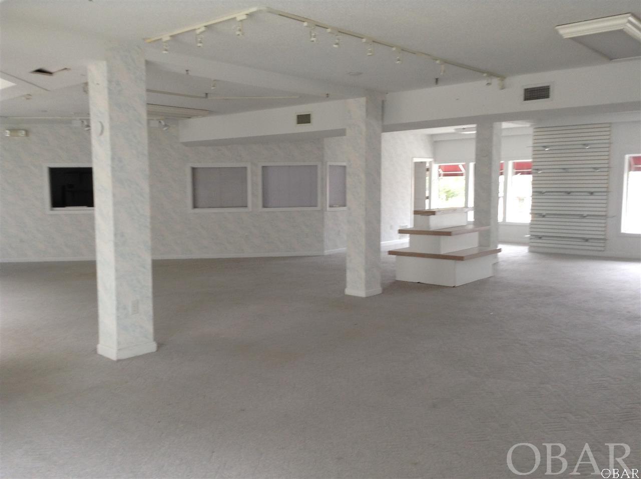 207 Queen Elizabeth Avenue,Manteo,NC 27954,Commercial/industrial,Queen Elizabeth Avenue,95804