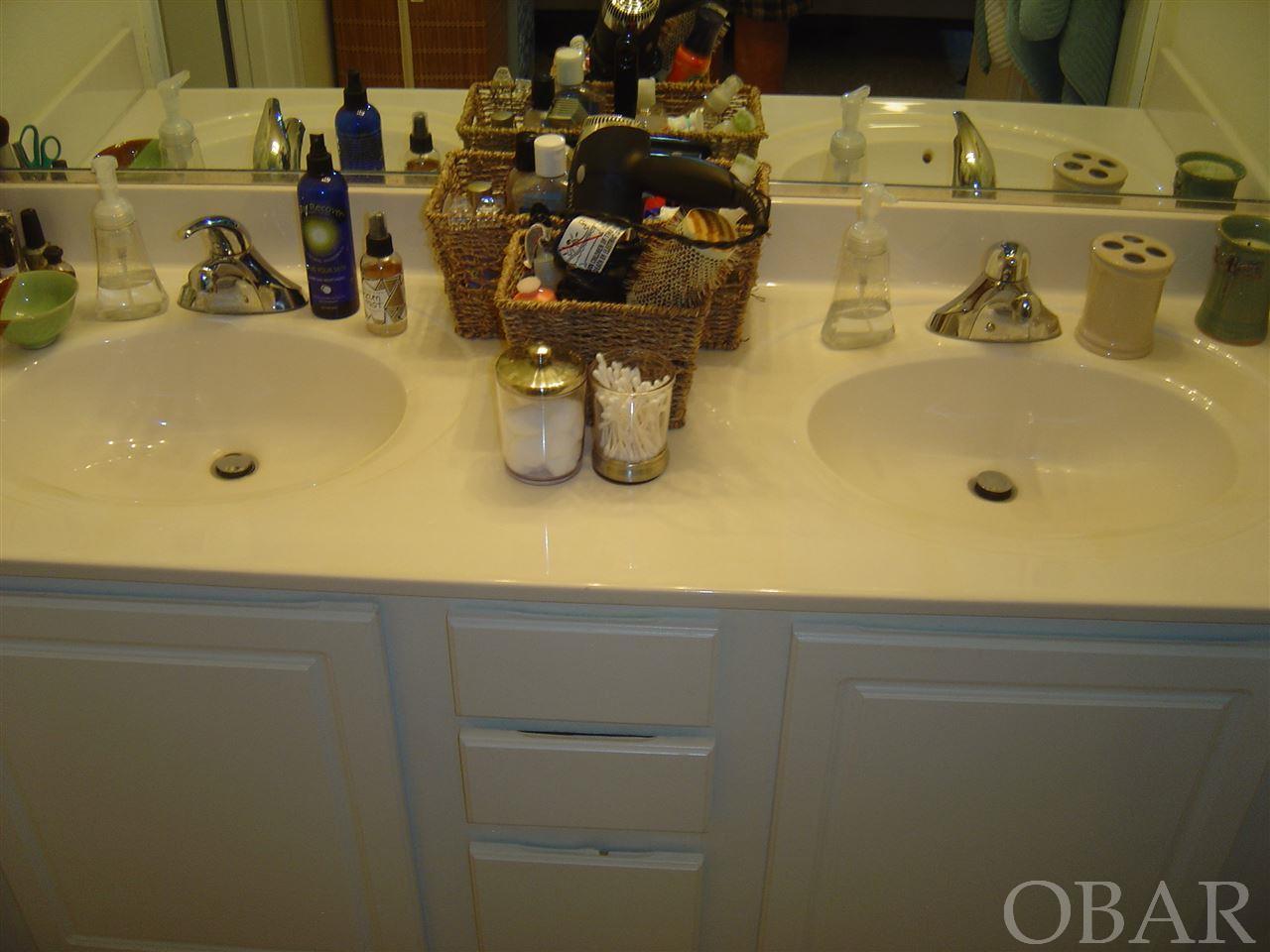 400 Sportsman Drive,Kill Devil Hills,NC 27948,4 Bedrooms Bedrooms,3 BathroomsBathrooms,Residential,Sportsman Drive,96975