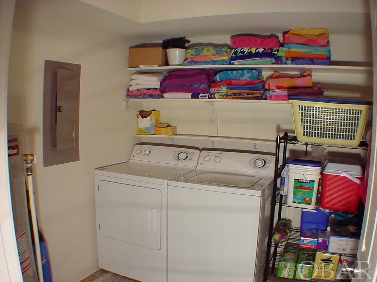 429 Ridgeview Way,Nags Head,NC 27959,4 Bedrooms Bedrooms,3 BathroomsBathrooms,Residential,Ridgeview Way,97311