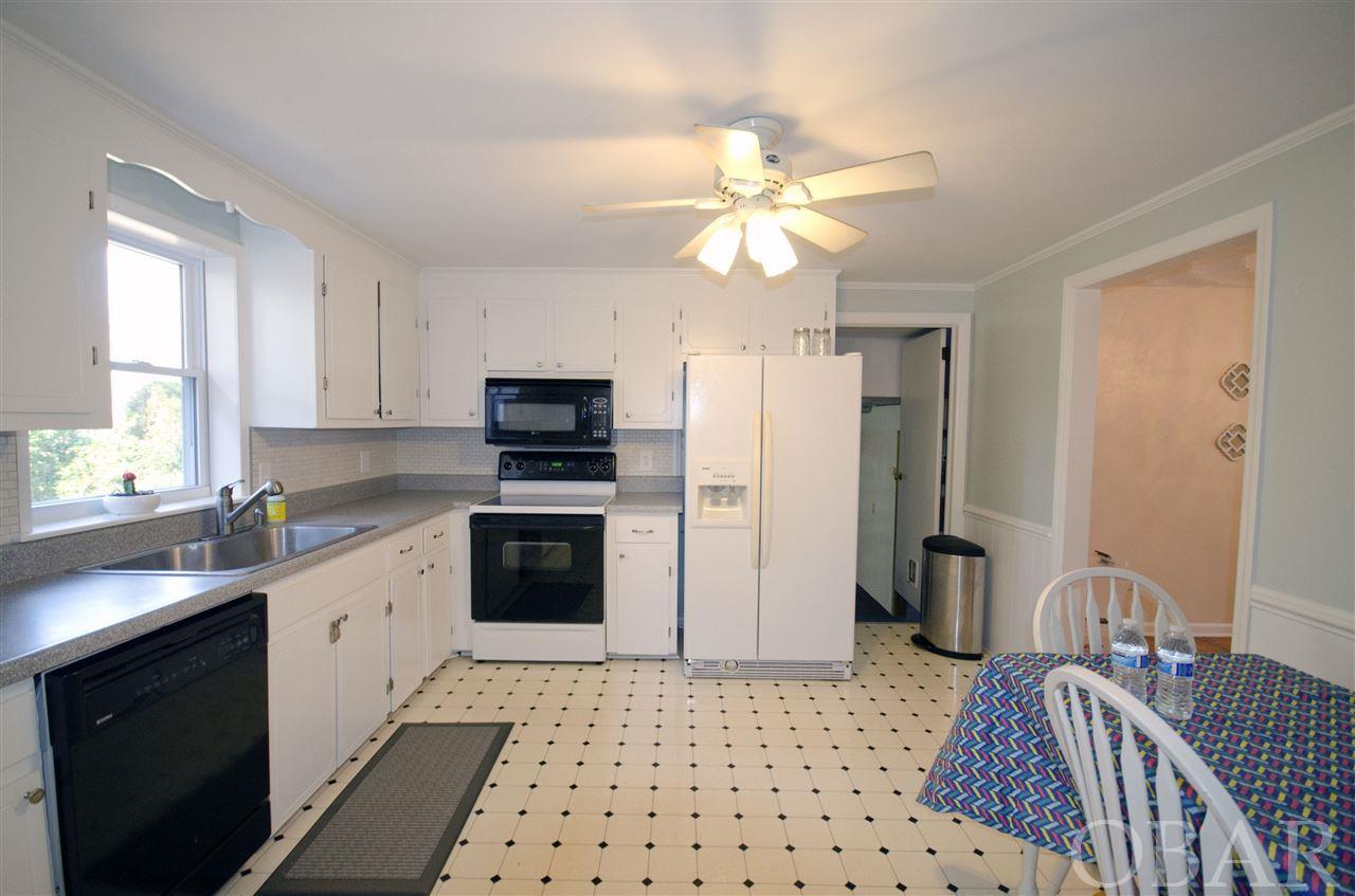 173 Beechwood Shores Drive,Moyock,NC 27958,3 Bedrooms Bedrooms,2 BathroomsBathrooms,Residential,Beechwood Shores Drive,97690