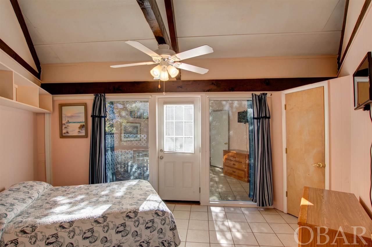 1002 Cardinal Street,Kill Devil Hills,NC 27948-8763,3 Bedrooms Bedrooms,1 BathroomBathrooms,Residential,Cardinal Street,98520