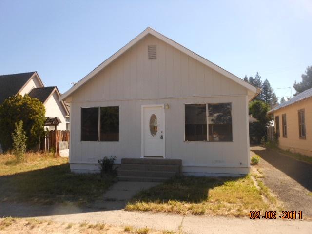 241 California Street, Portola, CA 96122