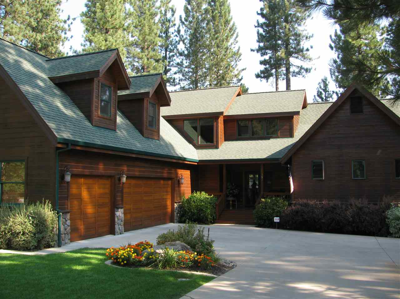 Placer sierra and nevada county real estate remax for Mountain living