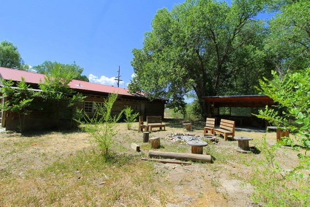 703 Don Roberto, Taos, NM 87571