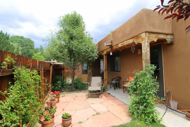 107 Roman Court, Taos, NM 87571
