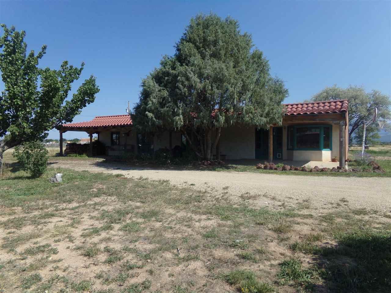 14 La Morada Rd., Ranchos de Taos, NM 87557