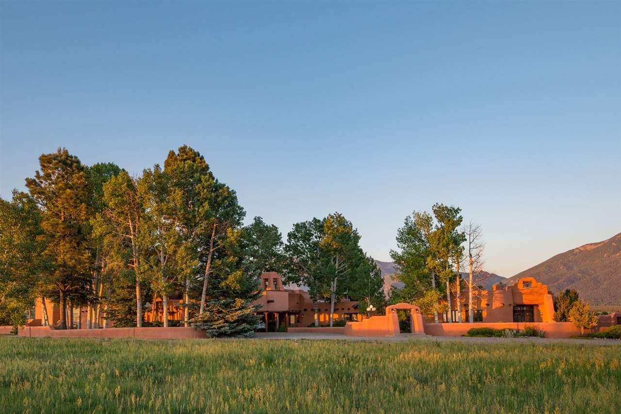 41 State Road 230, Taos, NM 87571